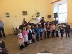 Vystoupení Berušek na zámku pro seniory